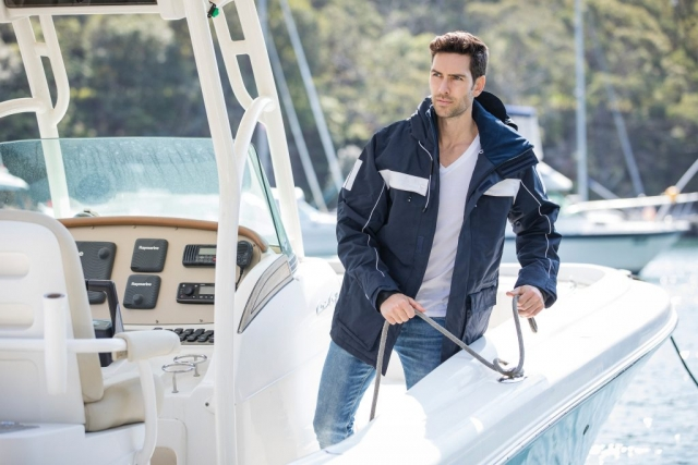 Beacon Cape Horn Wind and Waterproof Jacket in Navy